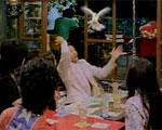 ケータイを鳩にするマジック